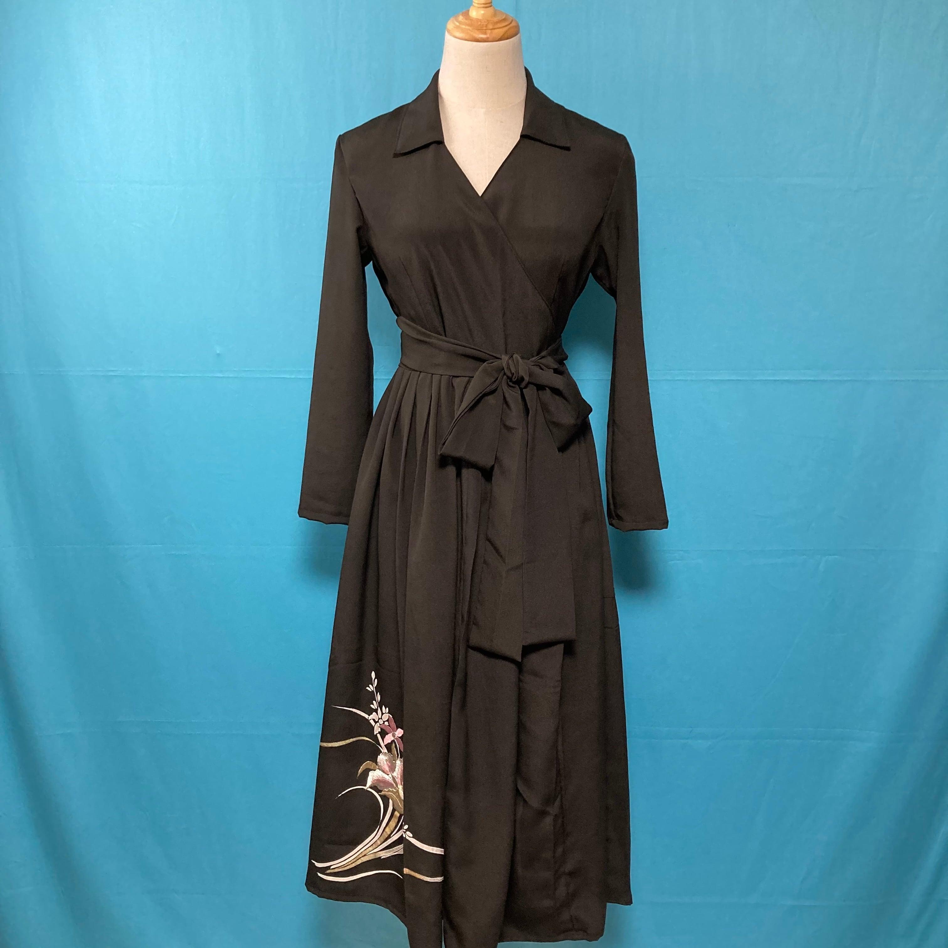 Vintage black embroidery kimono dress/ US 6