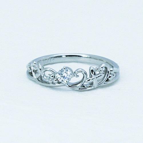 アラベスクのモティーフのリング Pt900 極上のダイヤモンド付き