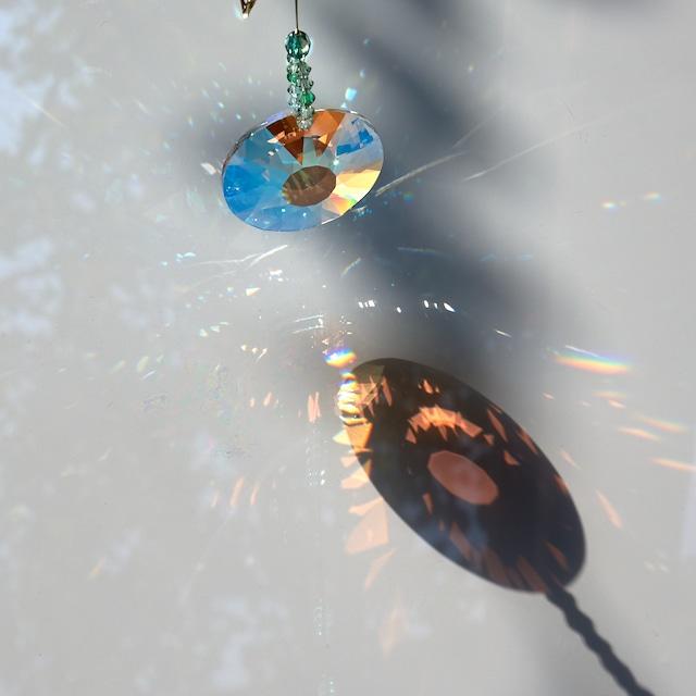 【スワロフスキー 】幸運を呼び込む*蝶モチーフのサンキャッチャー