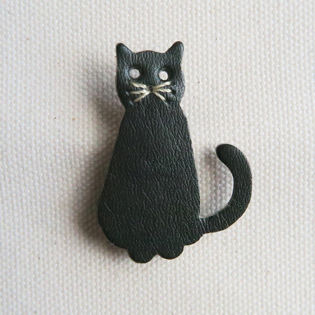 Leather brooch cat D.GREEN