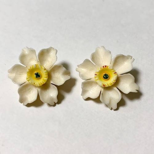 Vintage Hand Carved Celluloid Floral Earrings (Ivory)