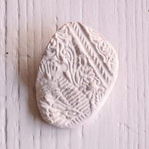 島るり子 陶器のブローチ(G)