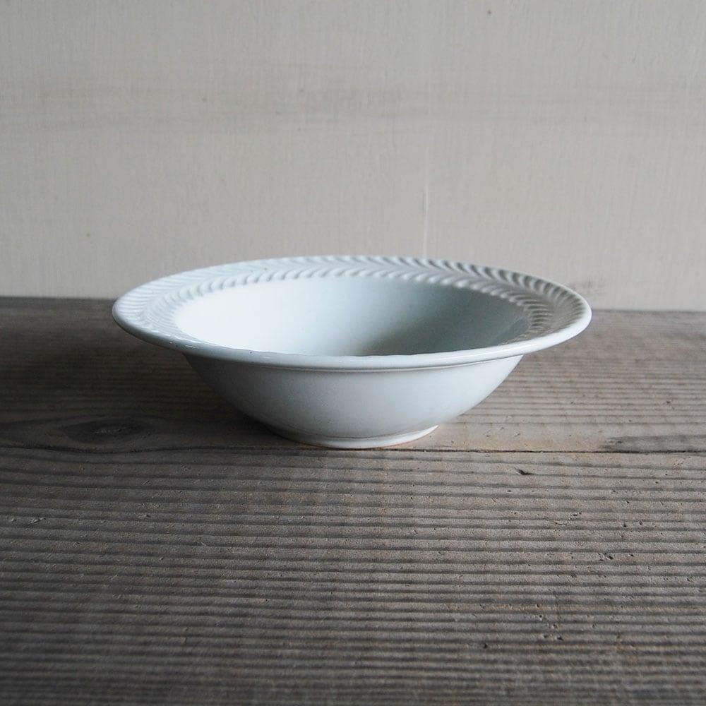 感器工房 波佐見焼 翔芳窯 ローズマリー リムボウル 皿 約18cm ホワイト 332938