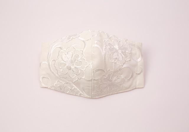 【振袖・留袖マスク】チャーム付き・刺繍マスク- KOTOHOGI(m03703)