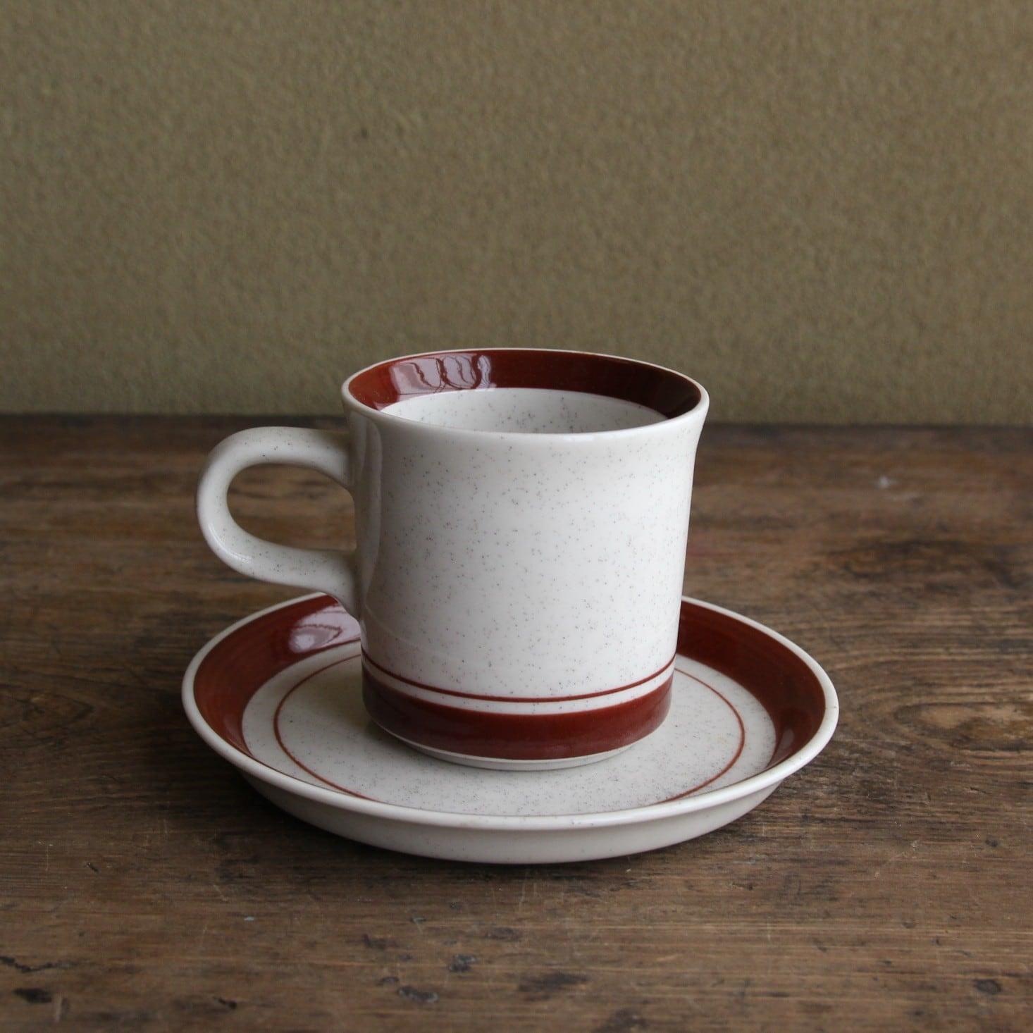 ivoryのブラウンラインのカップ&ソーサー 在庫2客