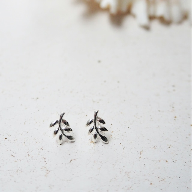 Silver Leaf Pierced Earring《SILVER925》18380200 S3