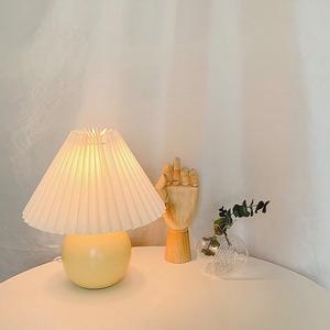 【特価・送料無料】vintage pleats shade lamp / ヴィンテージ プリーツ ライト シェード ランプ 照明 スタンド 韓国