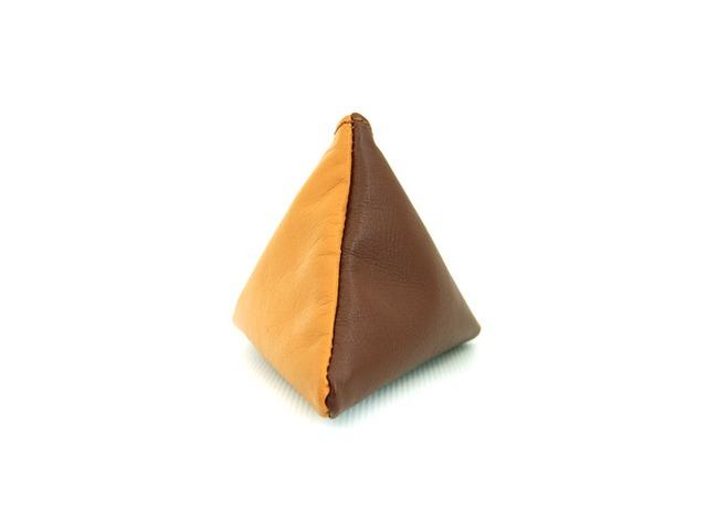 使い方は色々の三角レザーポーチ(キャメル/ブラウン)