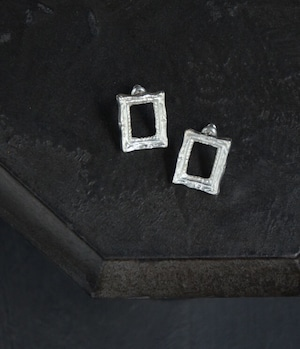 Picture frame ピアス - SILVER