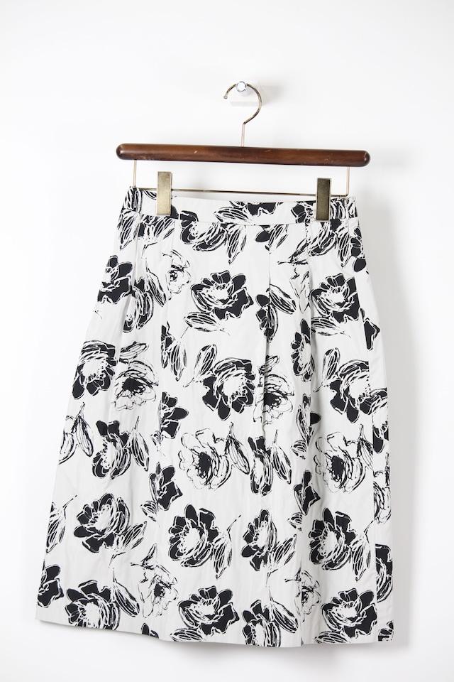 モノトーンスカート