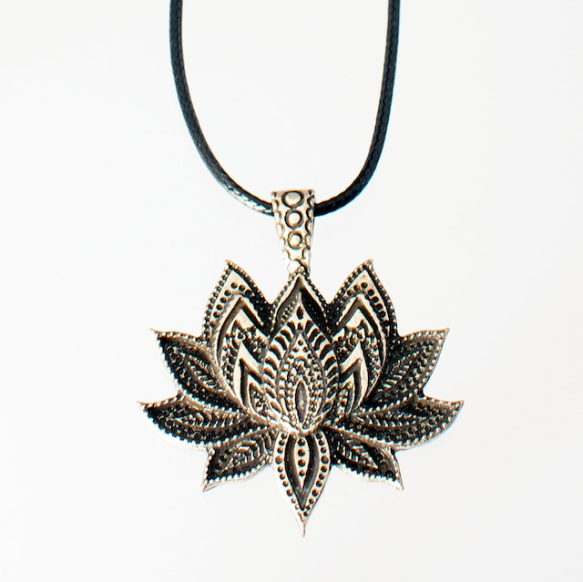 ネックレス ビッグロータス Necklace Big Lotus