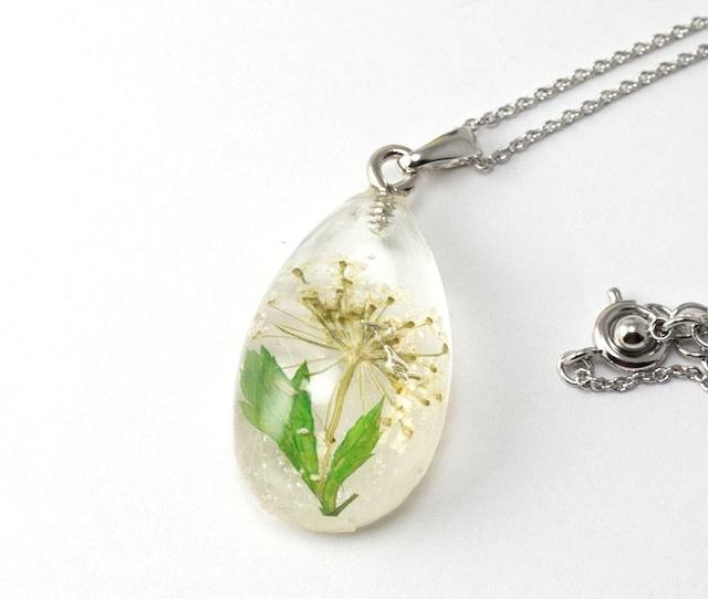 白い花のしずくL* レジンネックレス  C-003