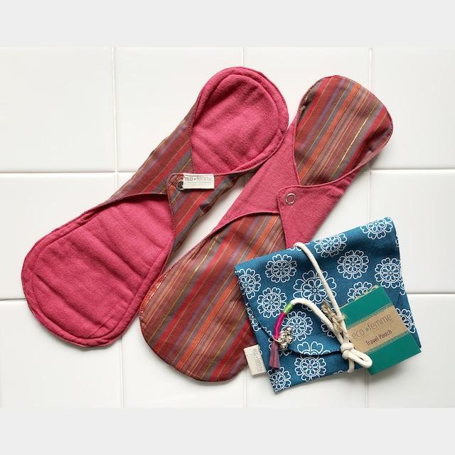 トラベルポーチ付き夜用(防水あり)肌面:オーガニック染料使用2枚セット/1 Travel Pouch and 2 Night Pads - Vibrant Organic
