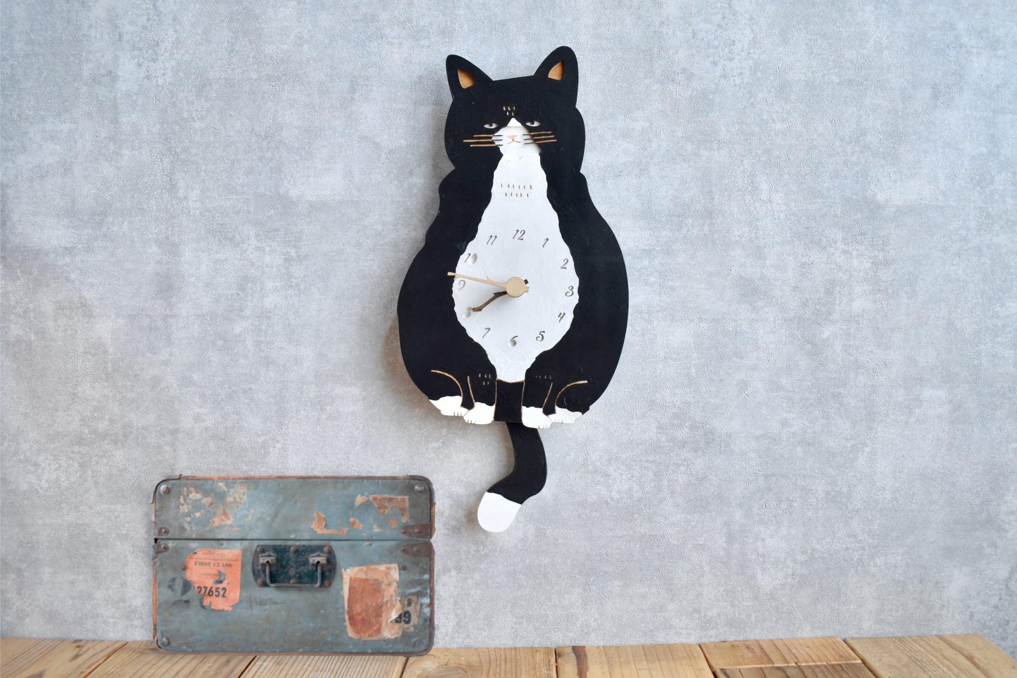 ハチワレ猫*ショートの時計 木製 振り子時計 掛け時計