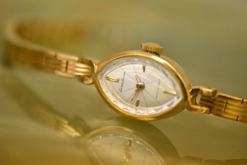 【ビンテージ時計】1965年3月製造 セイコー腕時計 日本製 クサリも当時のままでとても美しい時計です