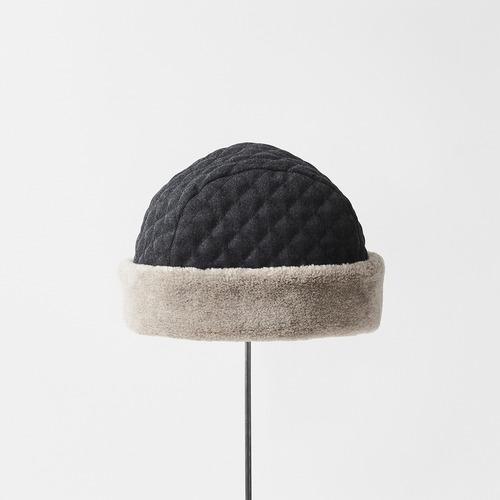 mature ha./hood cap quilting/charcoal