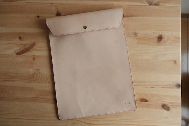 A4のクリアファイルが入る革のケース