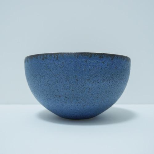 青い金属風の器.3