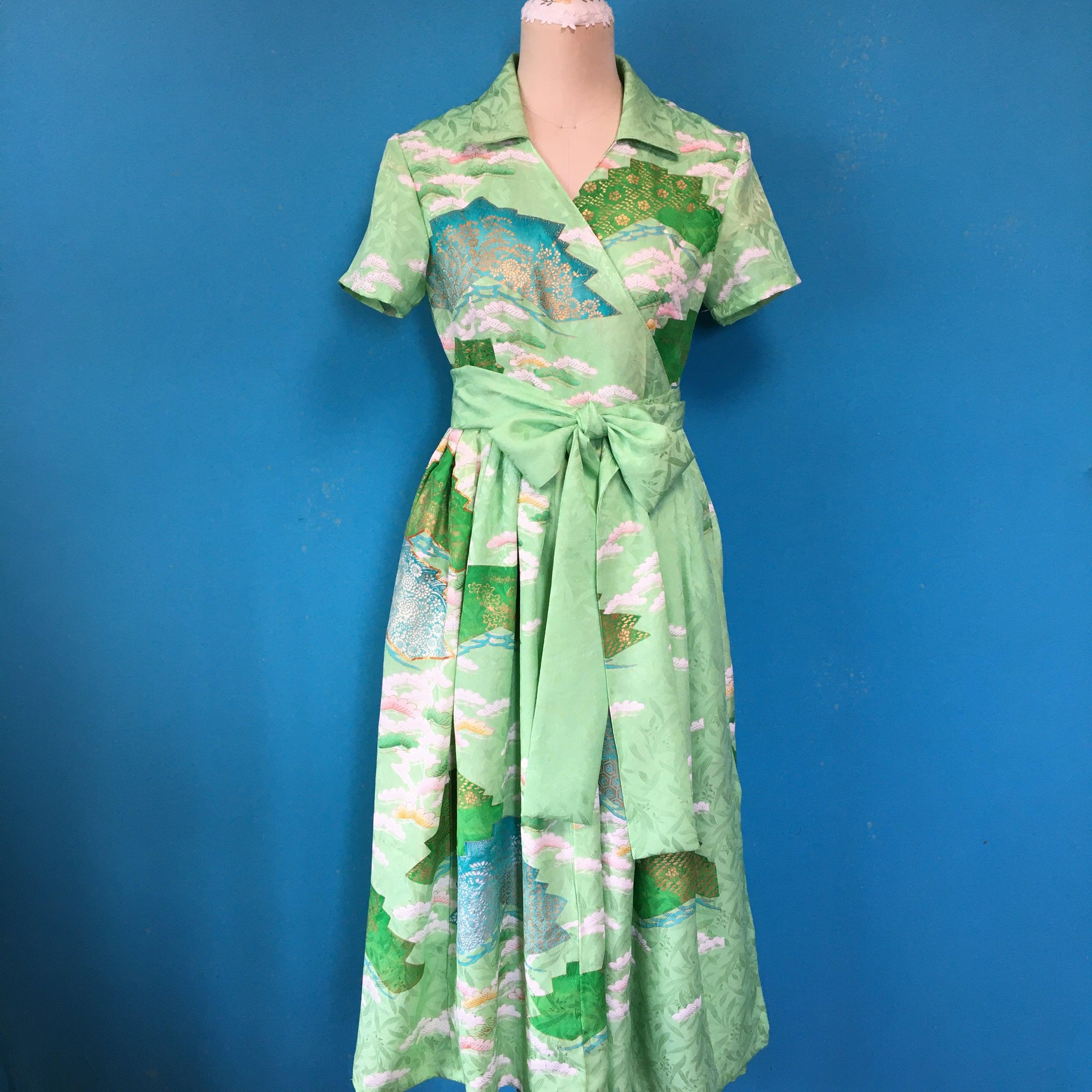 Vintage green kimono 振袖 US 6