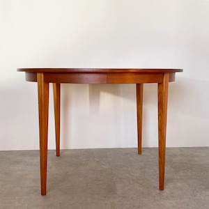 Round dining table with leaf / TB029