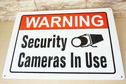 アルミ看板(WARNING SECURITY CAMERAS IN USE)