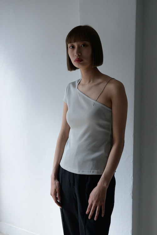 ROOM211 / One shoulder Top (beige)