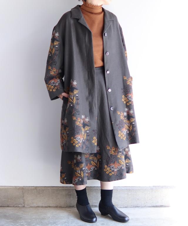 フクシア刺繍のコート(muc501)