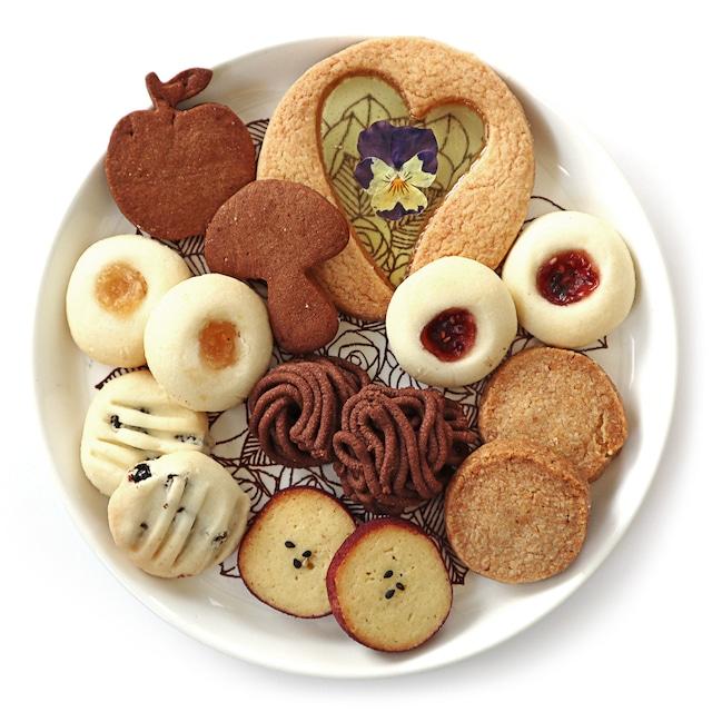 【受注生産】《10月9日までに順次発送》「秋シーズン特別仕様@7種類のスウェーデンクッキー箱(各4枚+おまけ1枚)」