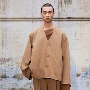 HED MAYNER - COLLARLESS CROPPED JACKET - AW21_J21_CML/ WO WO - CAMEL SOFT WOOL