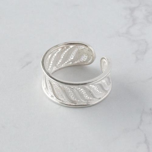 ウェービーライン リング / 銀線細工(指輪)