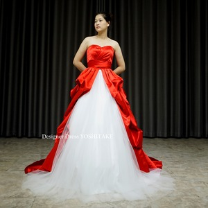 Aライン赤サテンカラードレス.白チュールオープンスカート.前撮り.披露宴.演奏会 在庫店舗・・・アトリエ●