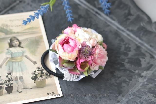ローズピンクの薔薇とケミカルレースのヘアゴム お花 ヘアゴム 髪飾り レース お出掛け ヘアアクセサリー