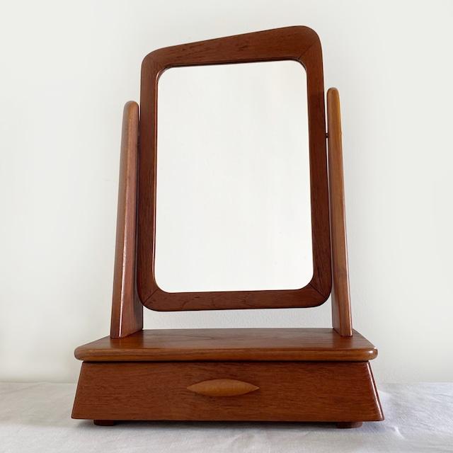 Small dressing table / MI044