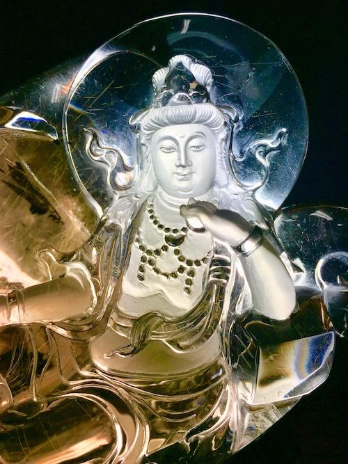 4) 超極美品「観音像」ゴールドルチル水晶