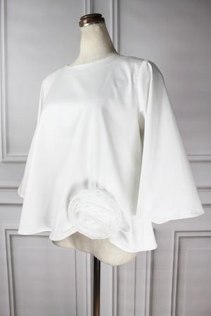 Romantic corsage blouse