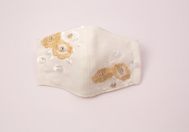 【振袖・留袖マスク】チャーム付き・刺繍マスク- KOTOHOGI(m04103)
