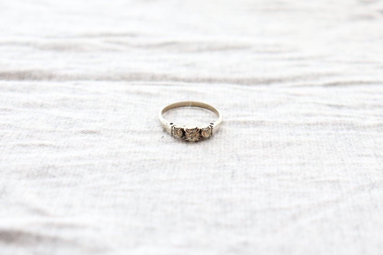 指輪 /3粒石