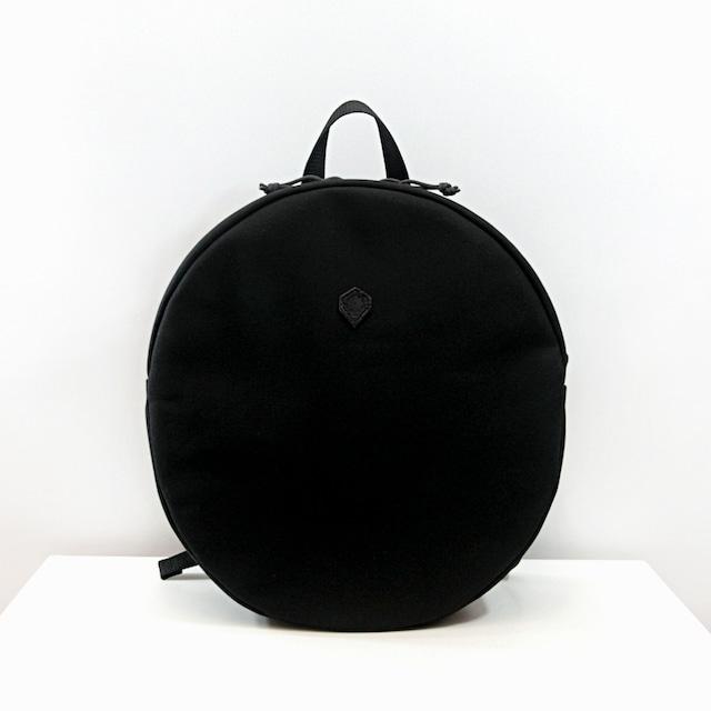 円形リュック ブラック