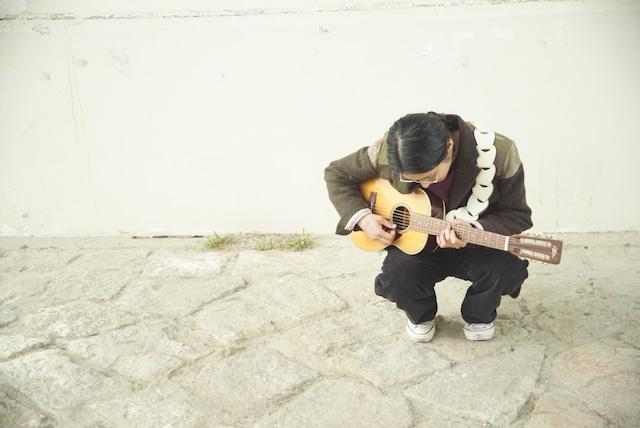 folklore / Dark Brown 【ウロコのようなギターストラップ 】