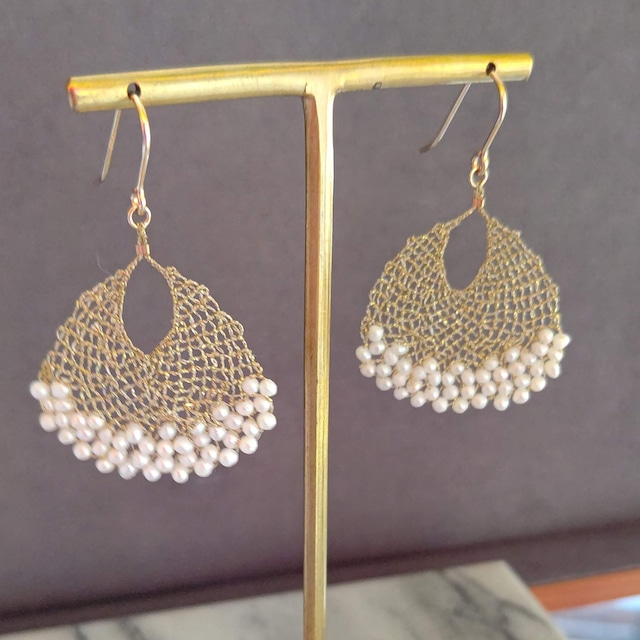 pearl lace earring