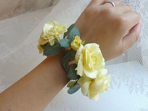 黄色いお花のリストブーケ(リストレット) / 腕飾り