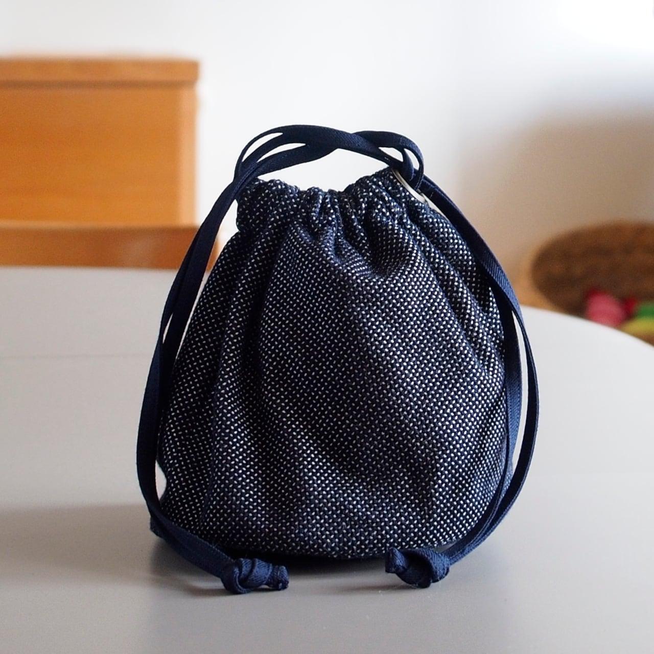 うしじま縫製 | 武州正藍染 巾着バッグ 小(内側 仕切り無) 一重刺子