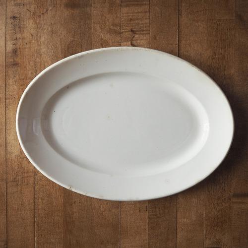 Creil et Montereauの白いオーバル皿