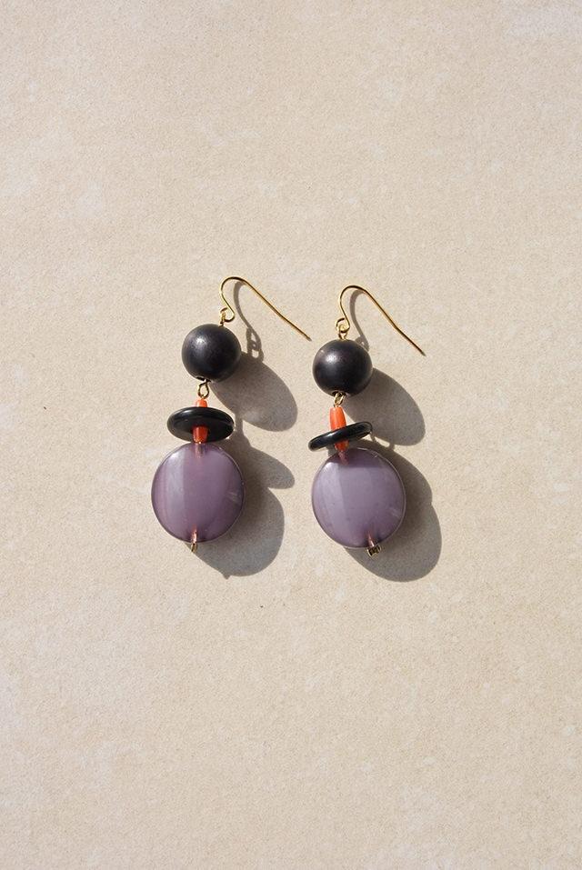 ピアス: Italian Beads &ウッド[黒]   「旅先で考えること」