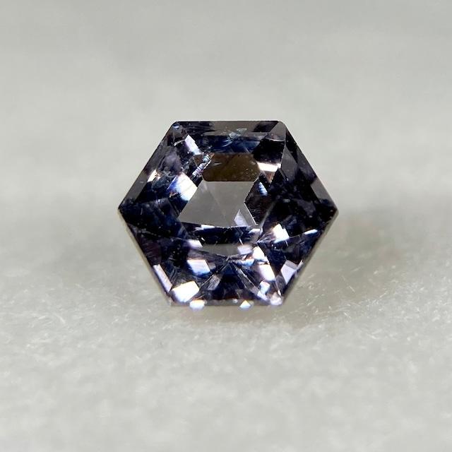 スピネル 六角形  約3.9*2.9mm r-0554