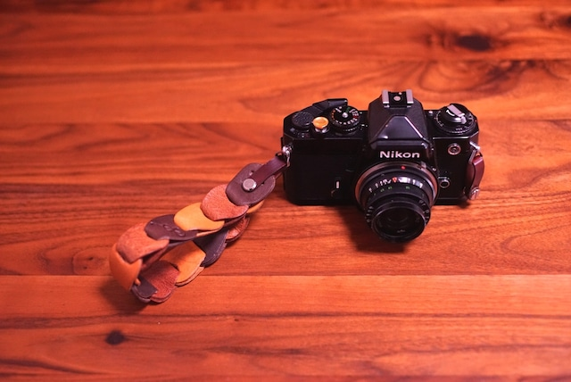 folklole mini / Hand Strap #7【ウロコのようなカメラストラップ】