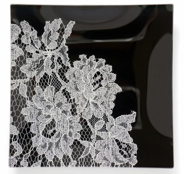 ガラストレー #82218S 黒(15cm角皿ハーフレースタイプ)