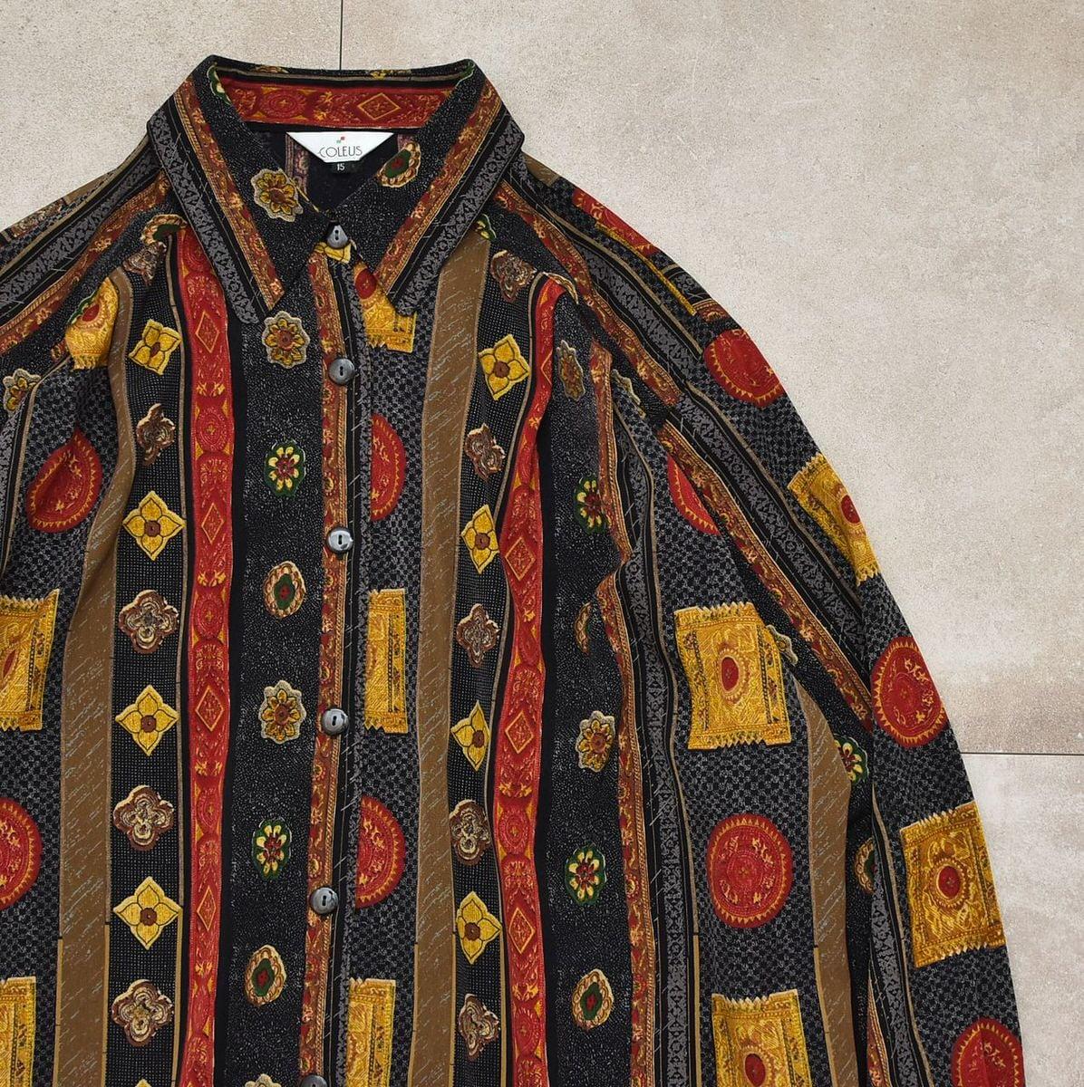 Antique motif design stripe poly shirt