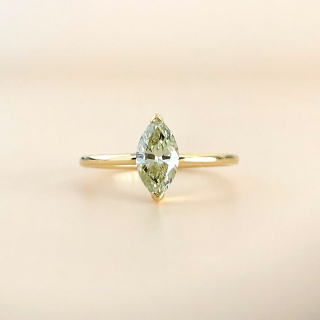 グリーニッシュイエローカラー マーキスカット  ダイヤモンド リング  0.556ct  K18イエローゴールド チェカ 鑑別書付