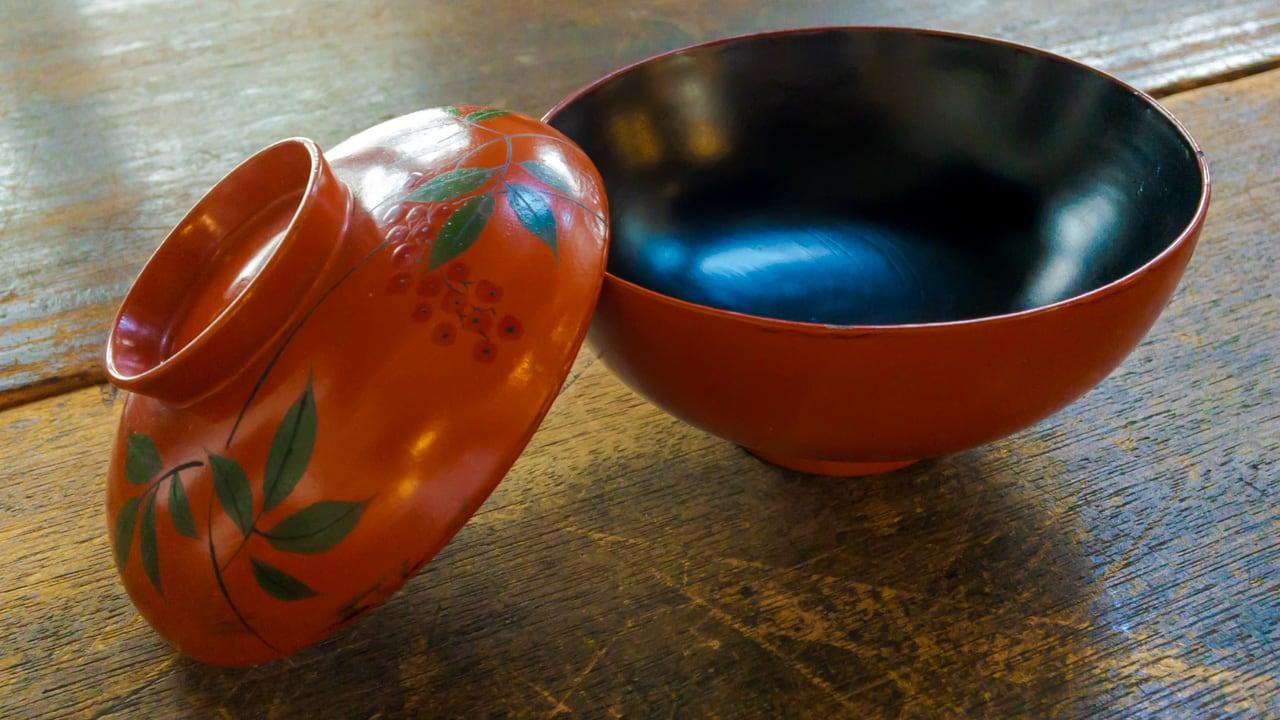 大正の朱塗りの碗